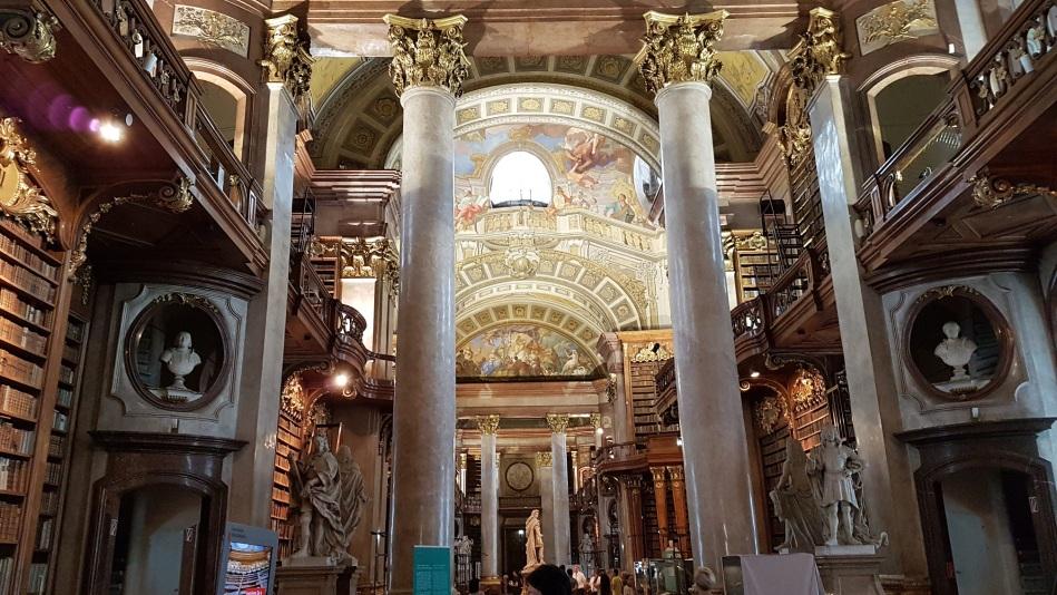 Wien 6 liten
